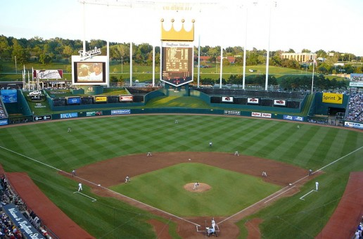 Baseball to face off with Heights in Kauffman